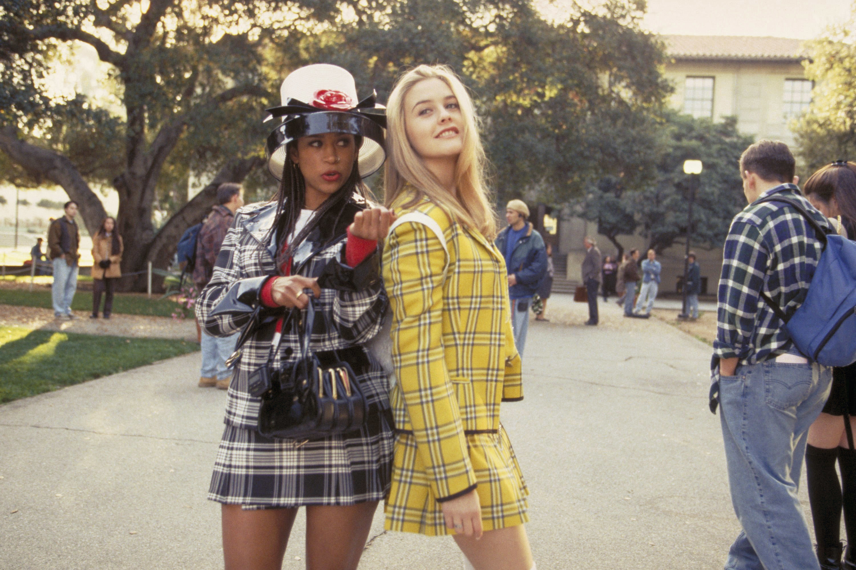 """Stacey Dash and Alicia Silverstone pose in plaid outfits on set of 1995's """"Clueless"""""""