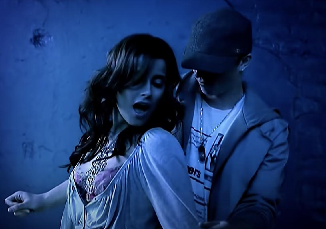 Nelly Furtado dancing on Timbaland
