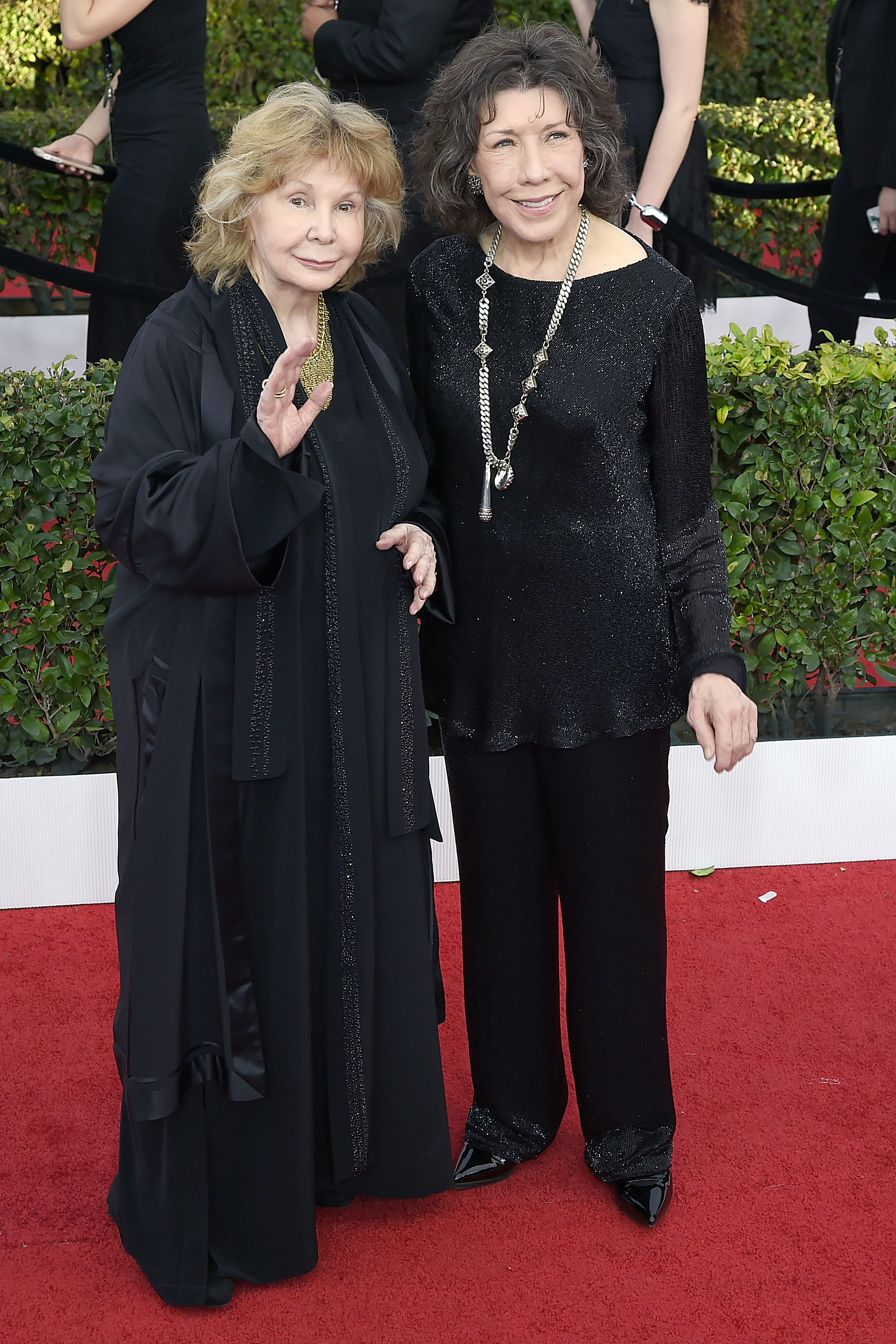 Lily Tomlin and Jane Wagner on the red carpet