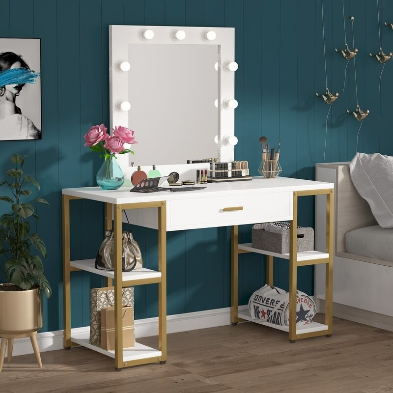 The white and gold vanity