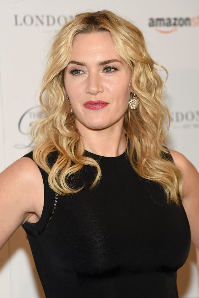 Kate Winslet posing on the red carpet
