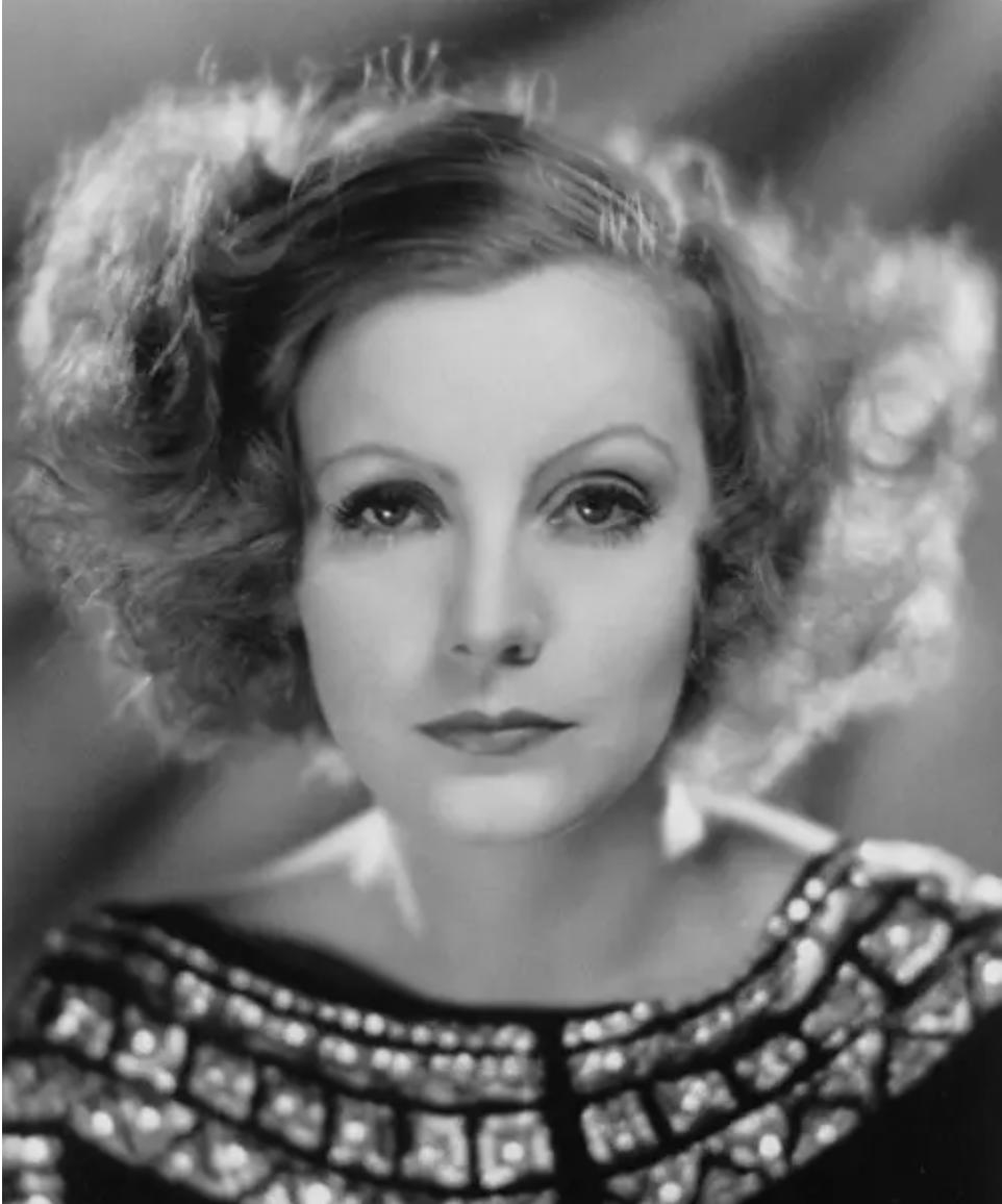 A glamorous photo of Garbo