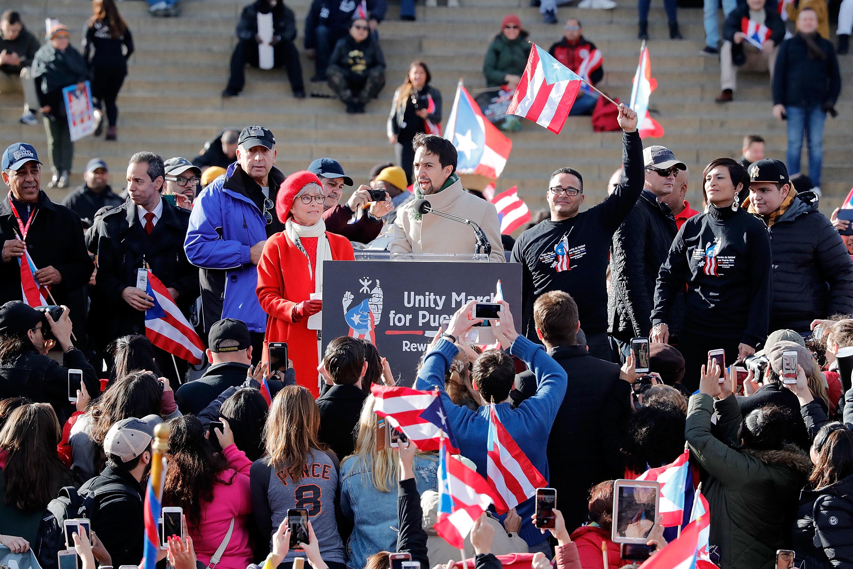 Rita Moreno and Lin-Manuel Miranda (C) speak at a Unity for Puerto Rico rally at the Lincoln Memorial on November 19, 2017 in Washington, DC