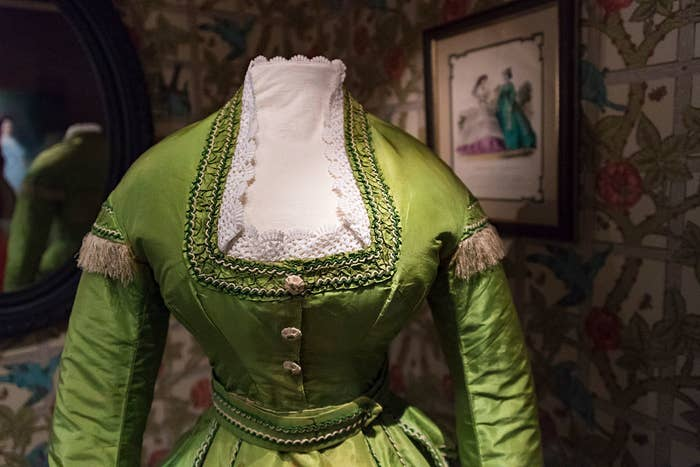green dress dyed with arsenic