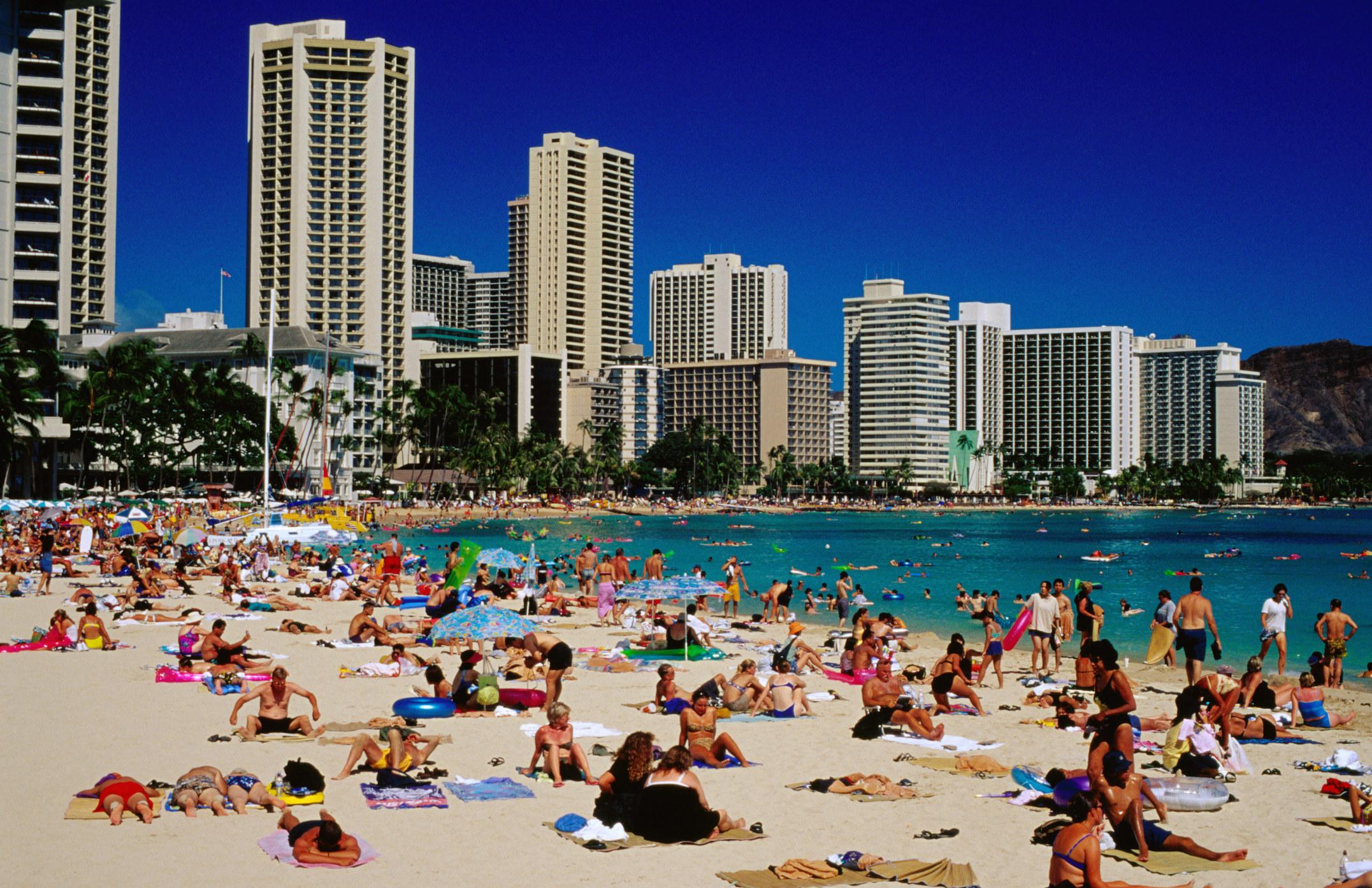 Crowded Waikiki Beach in Oahu