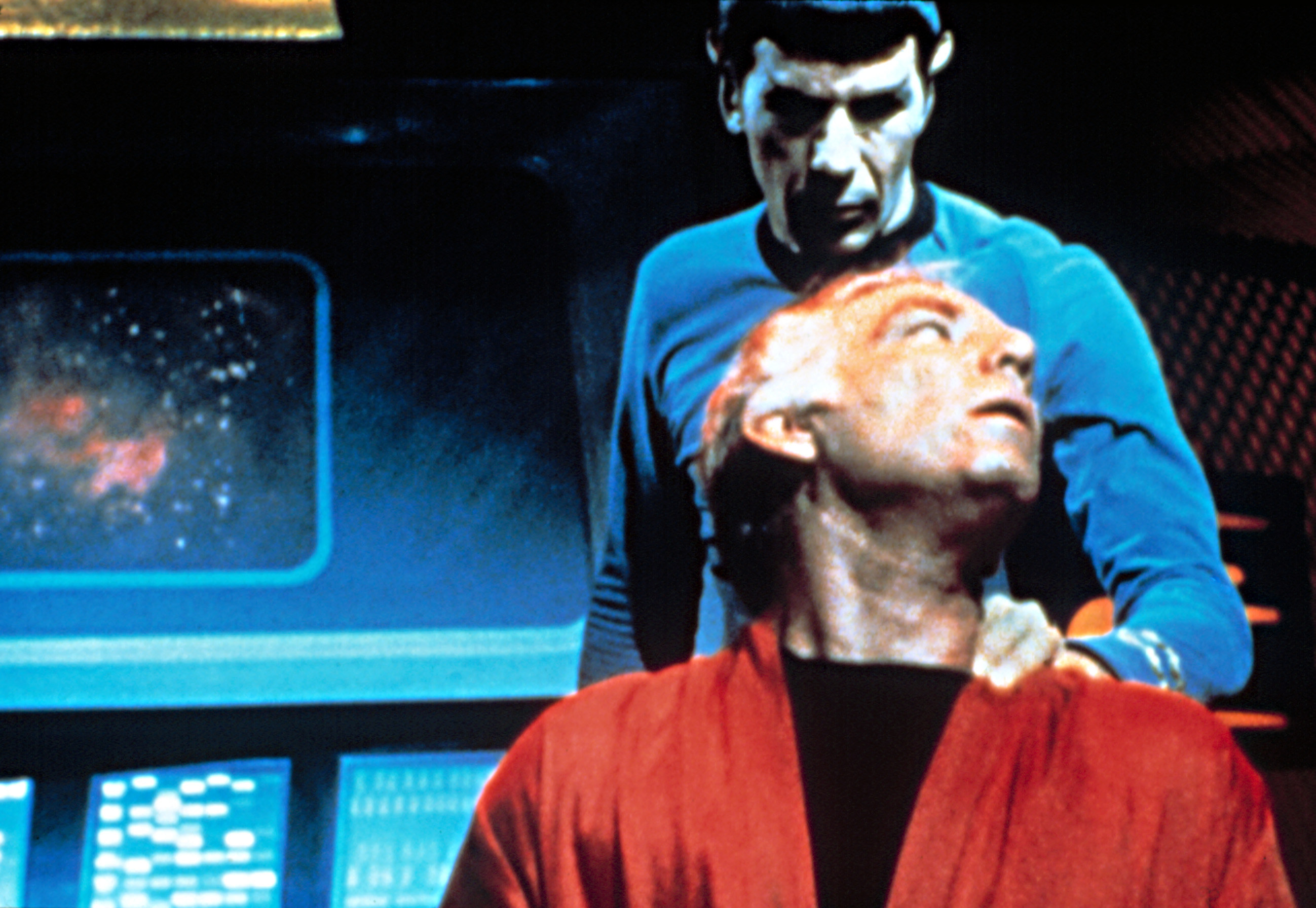 Nimoy as Spoke using the nerve pinch