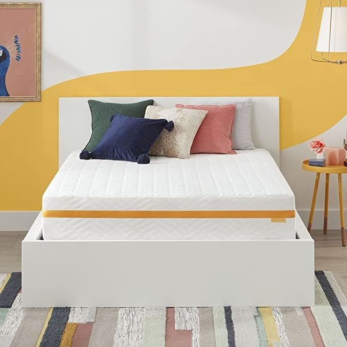"""A 10"""" hybrid gel memory foam mattress"""