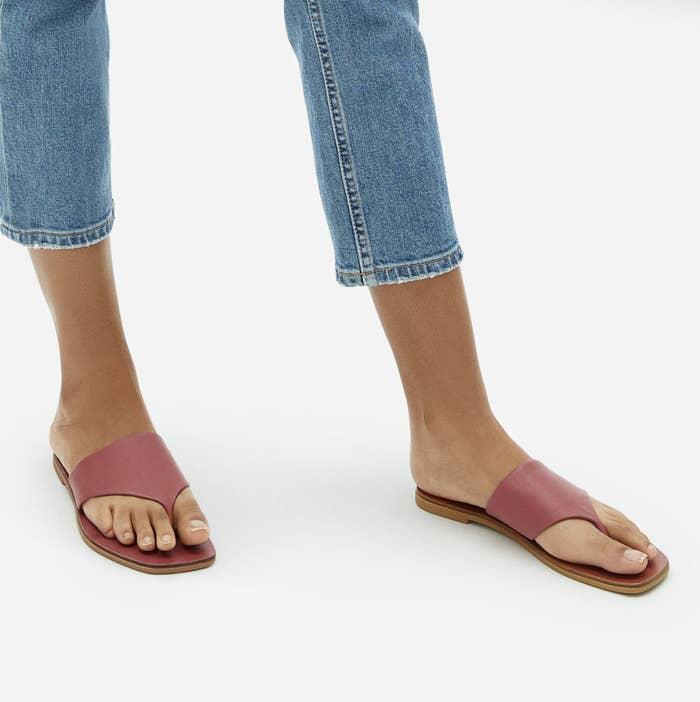 Model wearing Everlane leather thong sandal