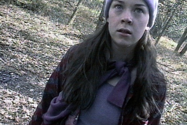 Heather Donahue looking extremely frightened