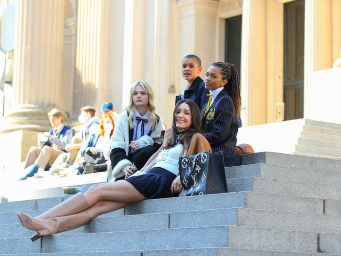the new Gossip Girl cast on the Met steps