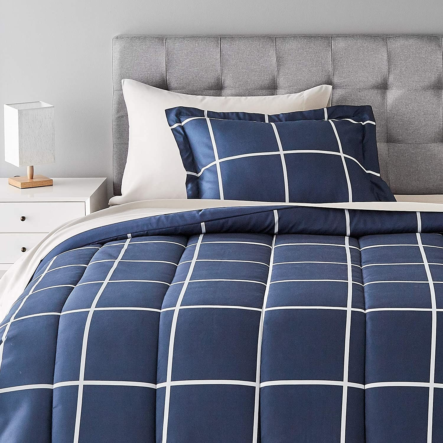the navy and white checkered bed sheet set