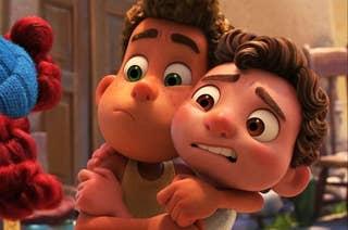 alberto and luca hugging