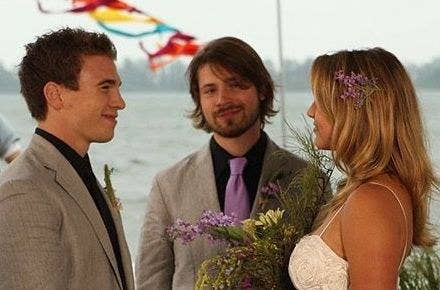 """Emma and Spinner get married on """"Degrassi"""""""