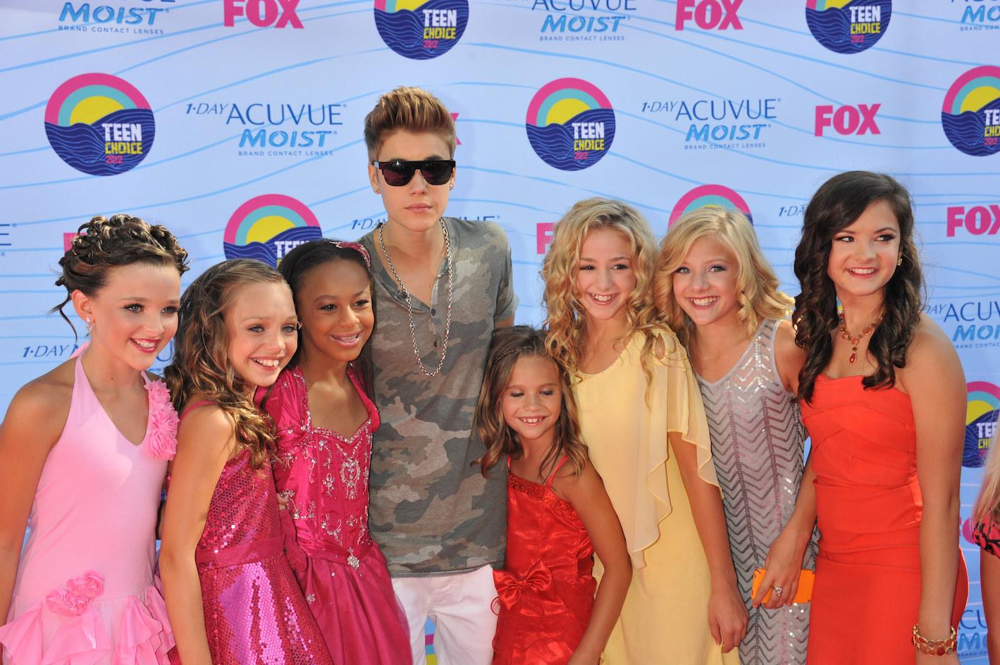 Nia posing with Justin Bieber