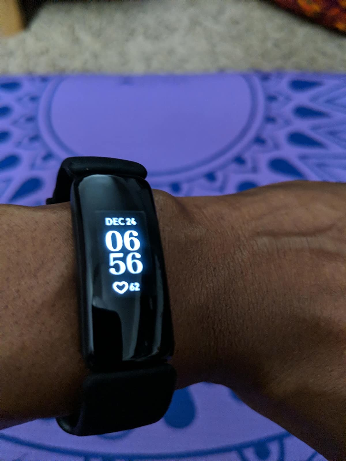 Reviewer is wearing a Fitbit Inspire 2 on their wrist