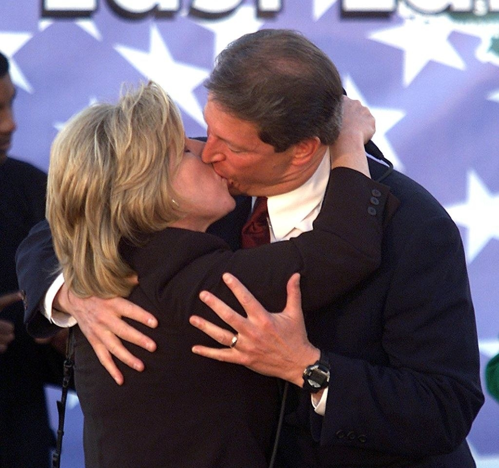 Al Gore and Tipper Gore making out