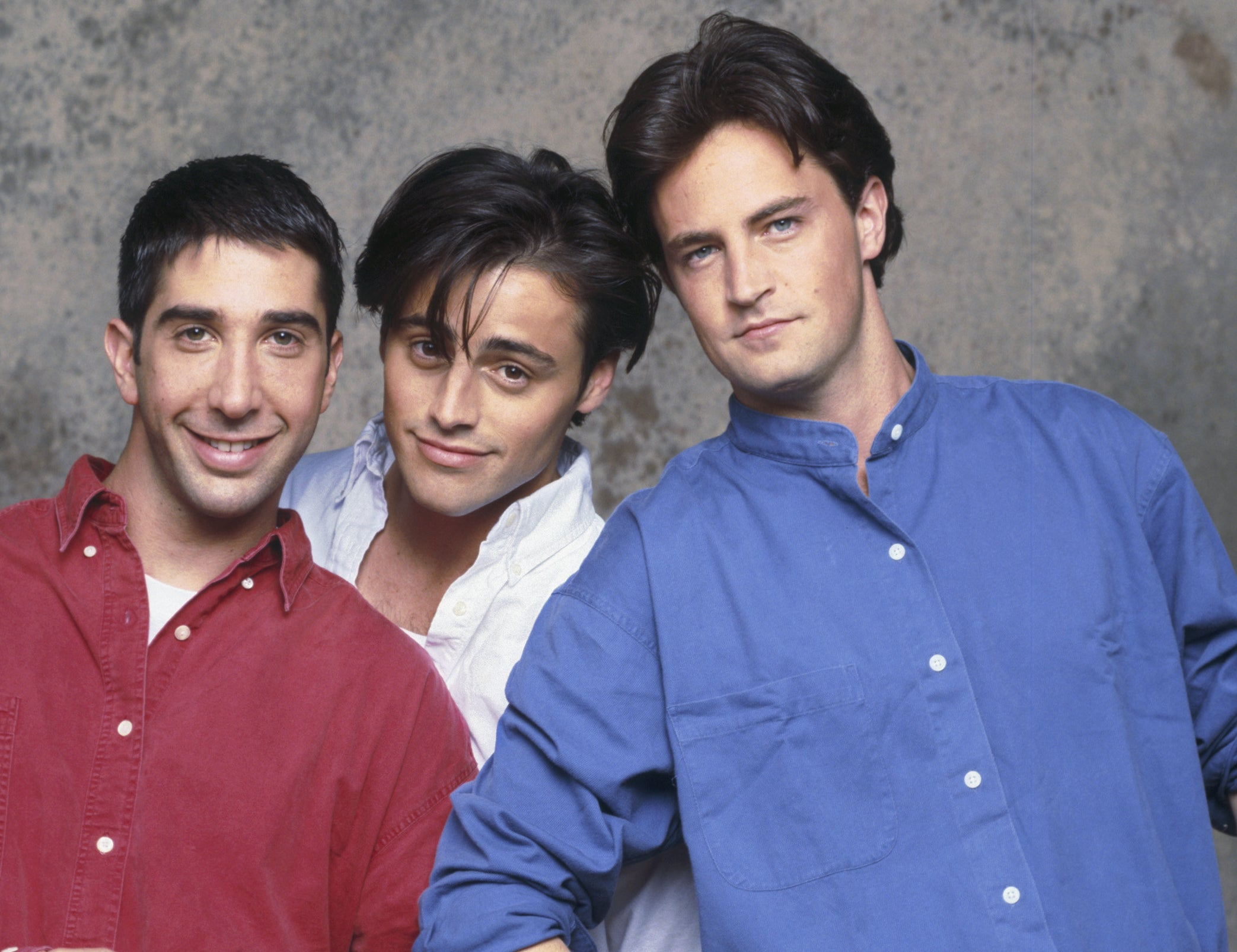 Matthew poses with Matt LeBlanc and David Schwimmer during the 90s