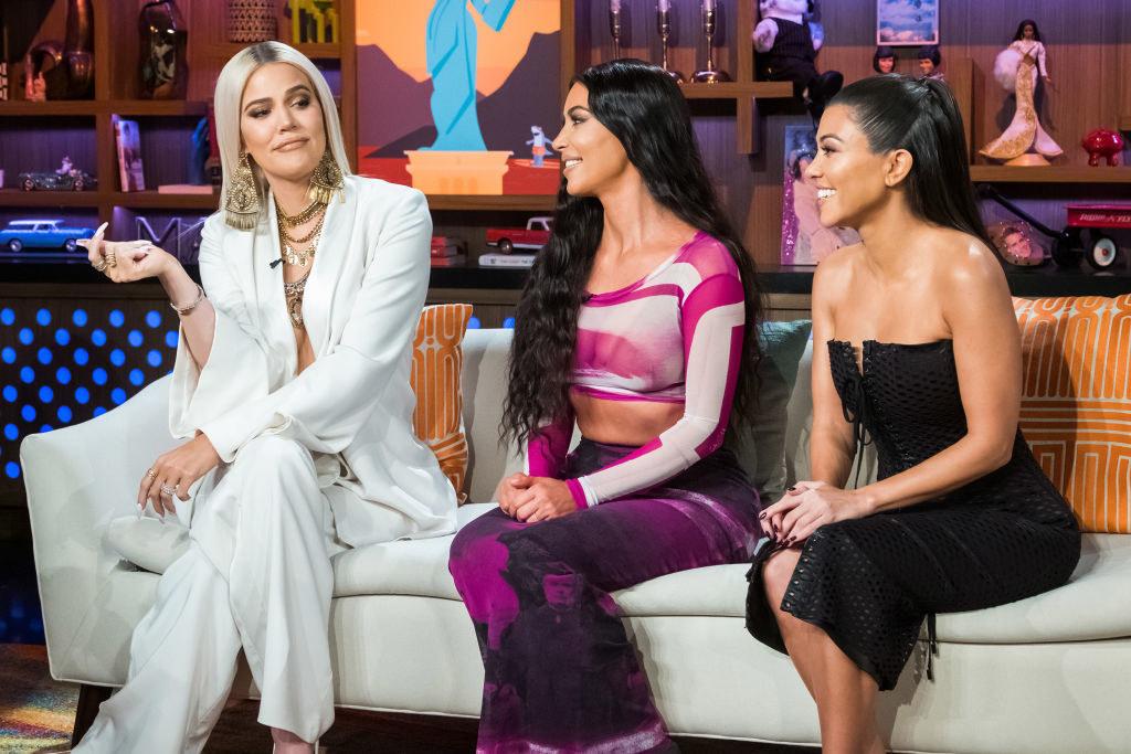 (l-r): Khloé Kardashian, Kim Kardashian, and Kourtney Kardashian