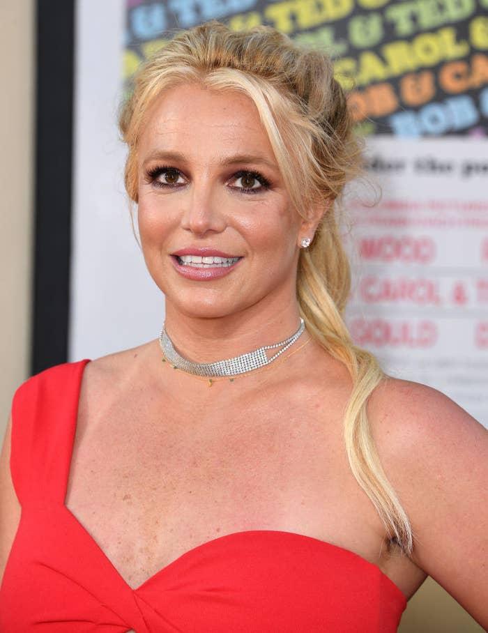 Britney Spears smiles on red carpet