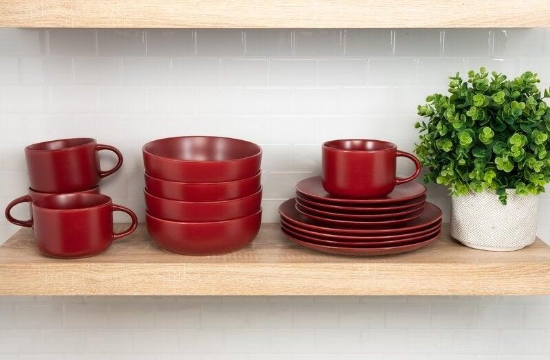 the full dinnerware set in red