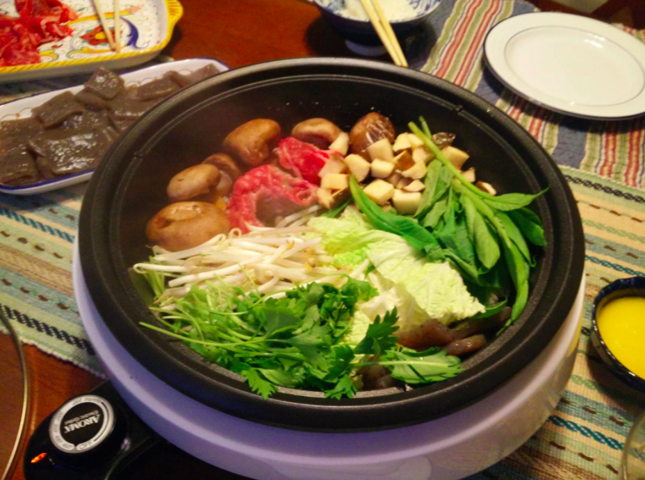 A customer review photo of the hot pot on their table