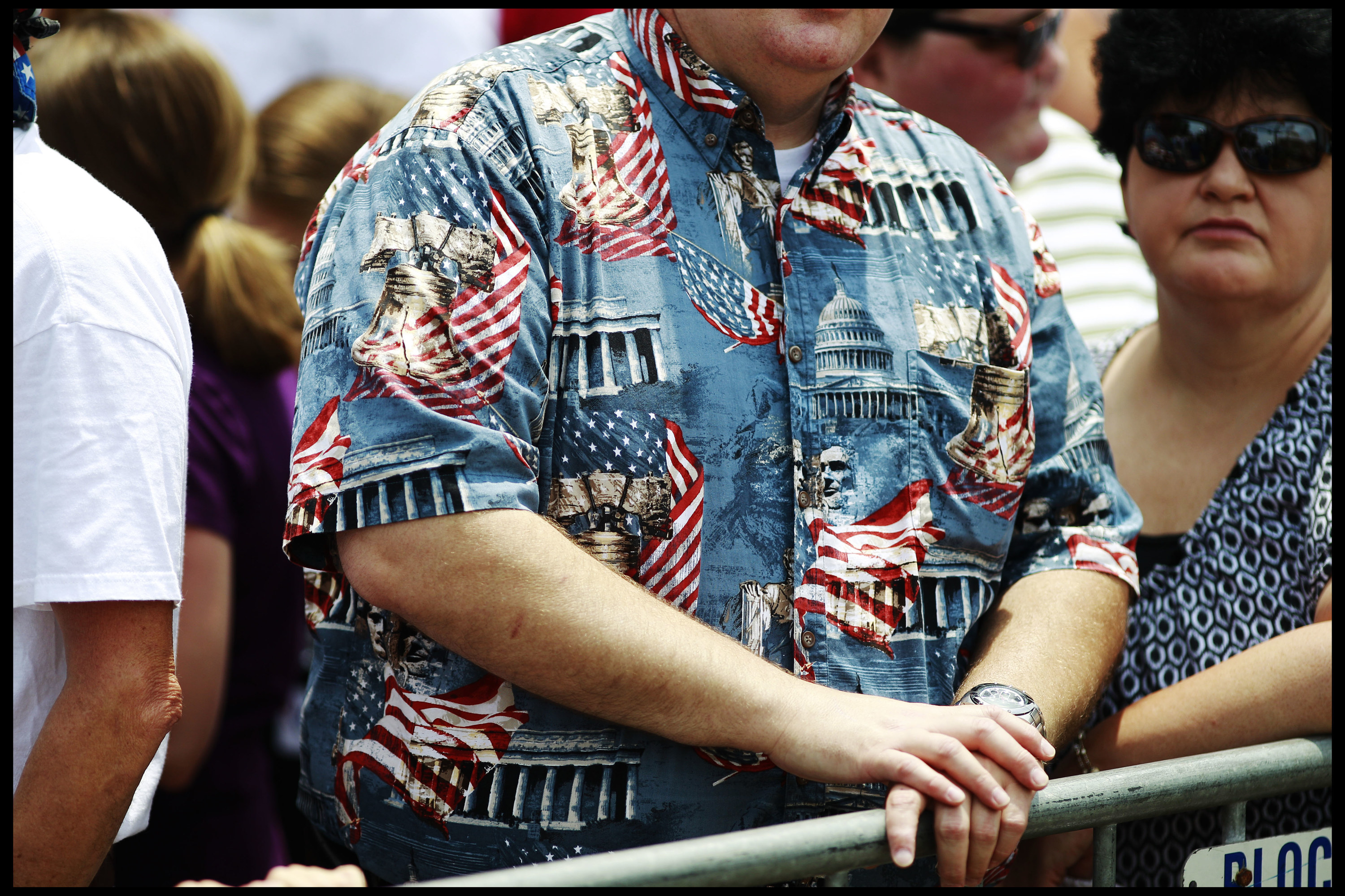 Close-up of shirt showing the American flag, White House, and other US government buildings