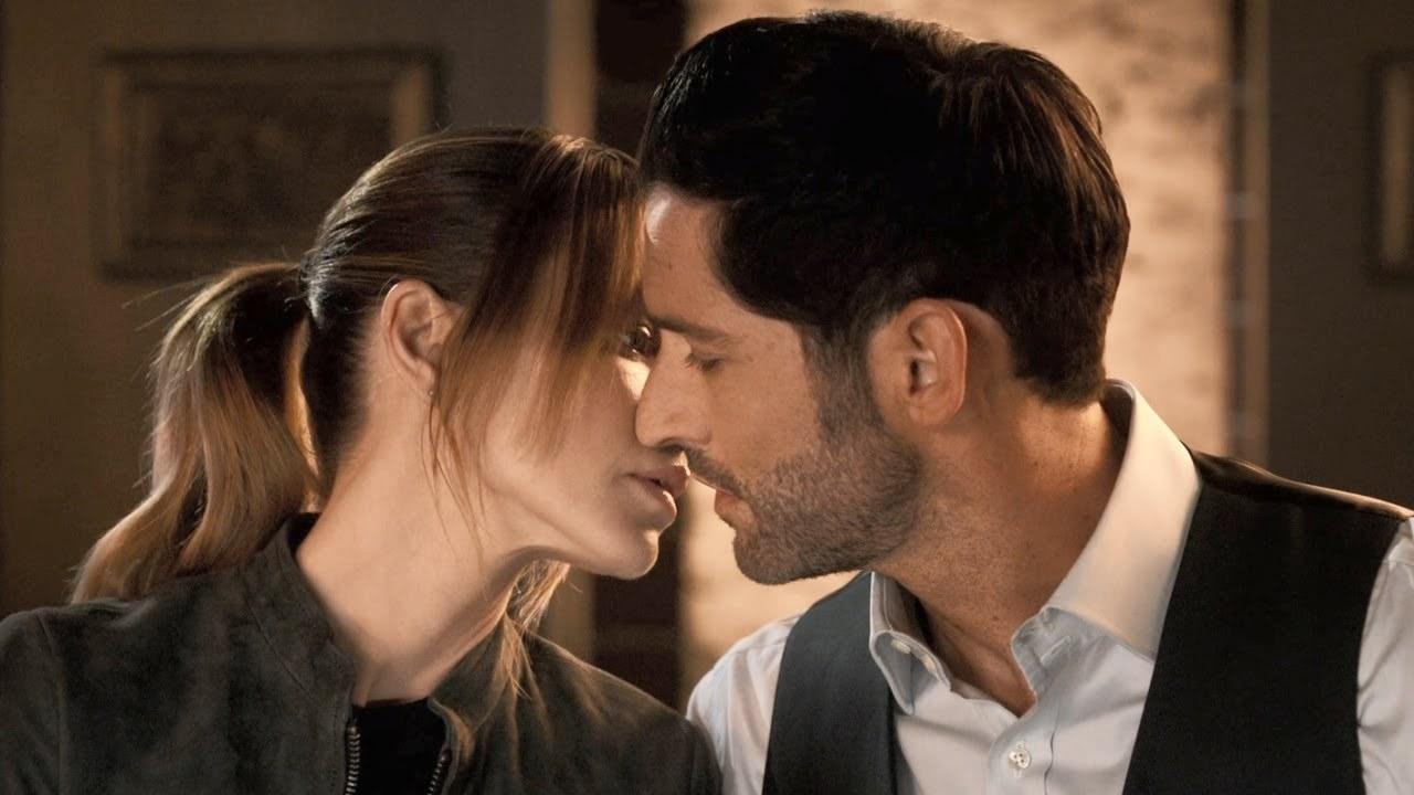 Lucifer and Chloe kiss in Season 5