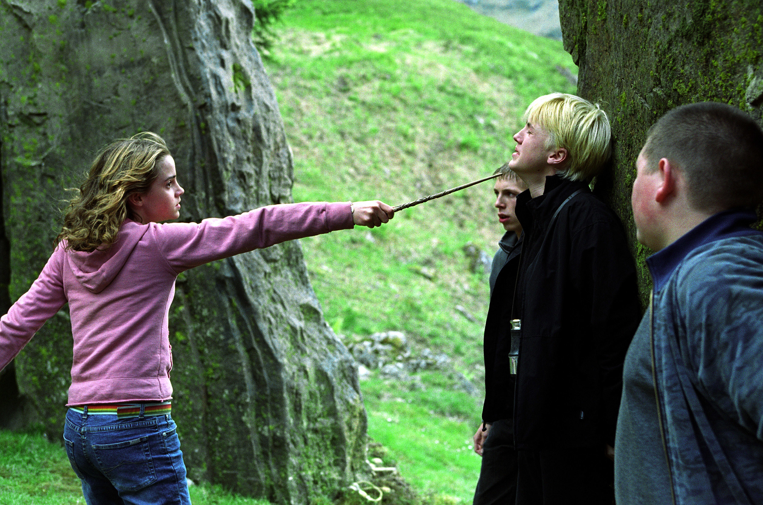 Watson points her wand at Felton in Harry Potter and the Prisoner of Azkaban