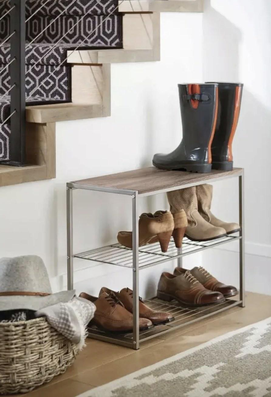 Shoe rack in entryway