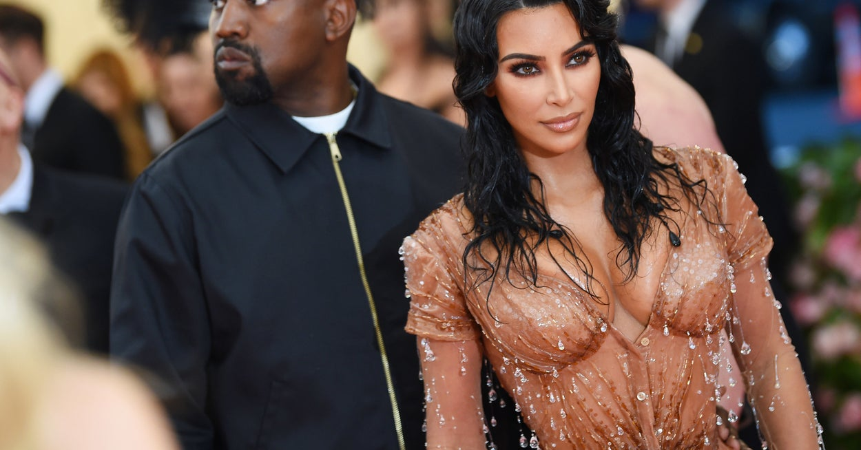 """Kim Kardashian Broke Down In Tears While Discussing Her Marriage To Kanye West On """"KUWTK"""" – BuzzFeed"""