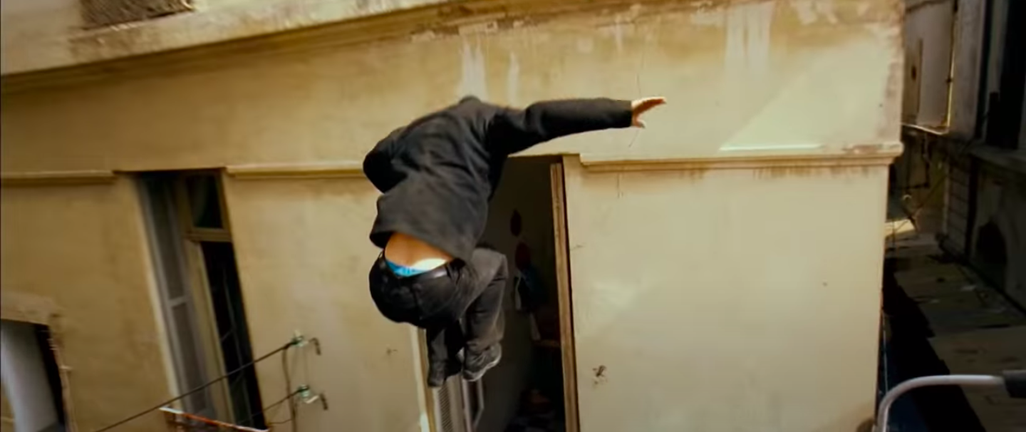 """Jason Bourne jumping into a window in """"The Bourne Ultimatum"""""""