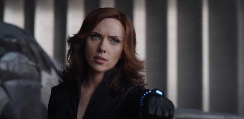 Black Widow about to use her Widow's Bite in Captain America: Civil War