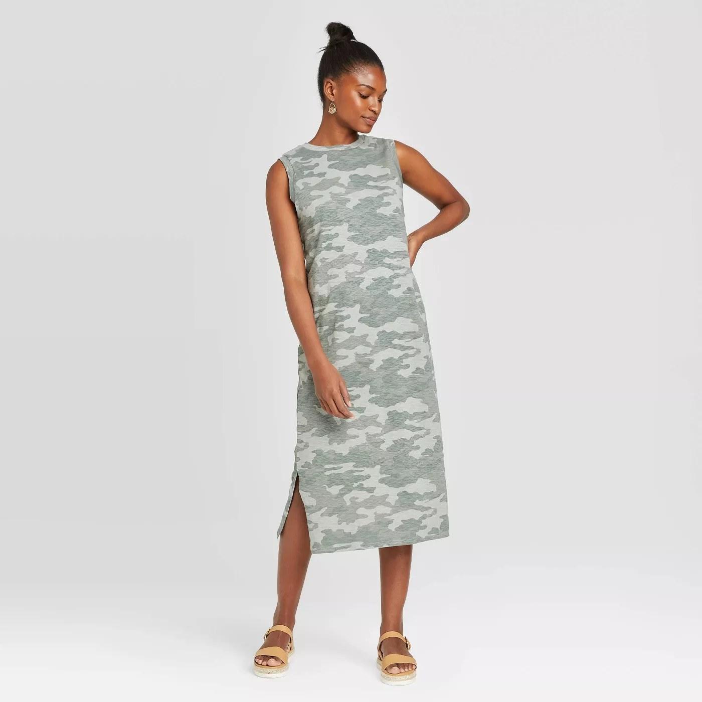 The sleeveless, midi dress in camo
