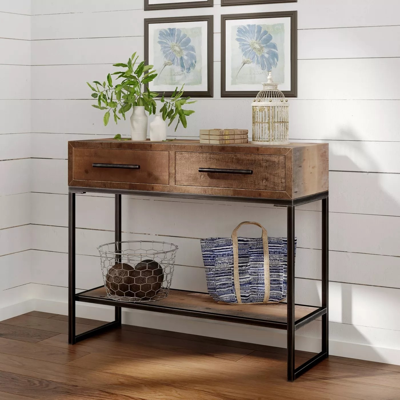 The console with two drawers and a shelf