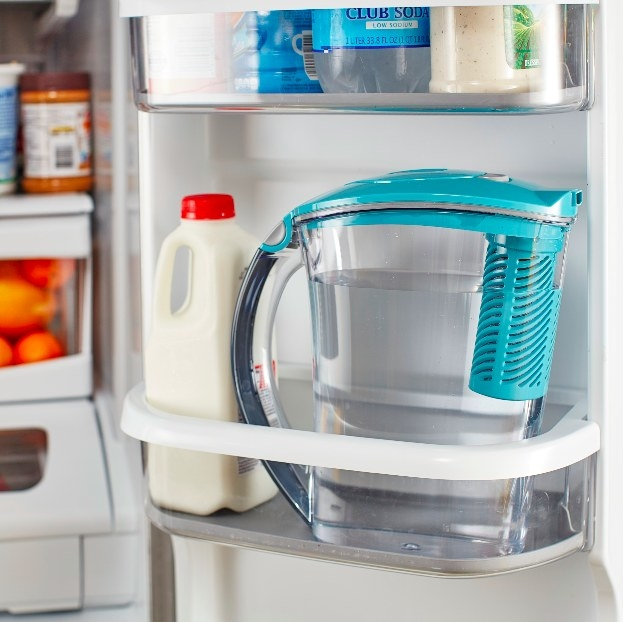 The water pitcher keeping water crisp & cool in the refrigerator drawer