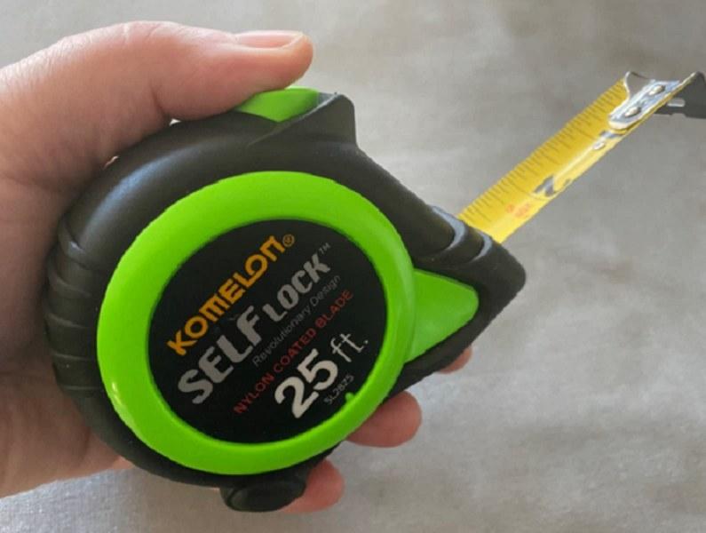 A self-locking 25-foot power tape