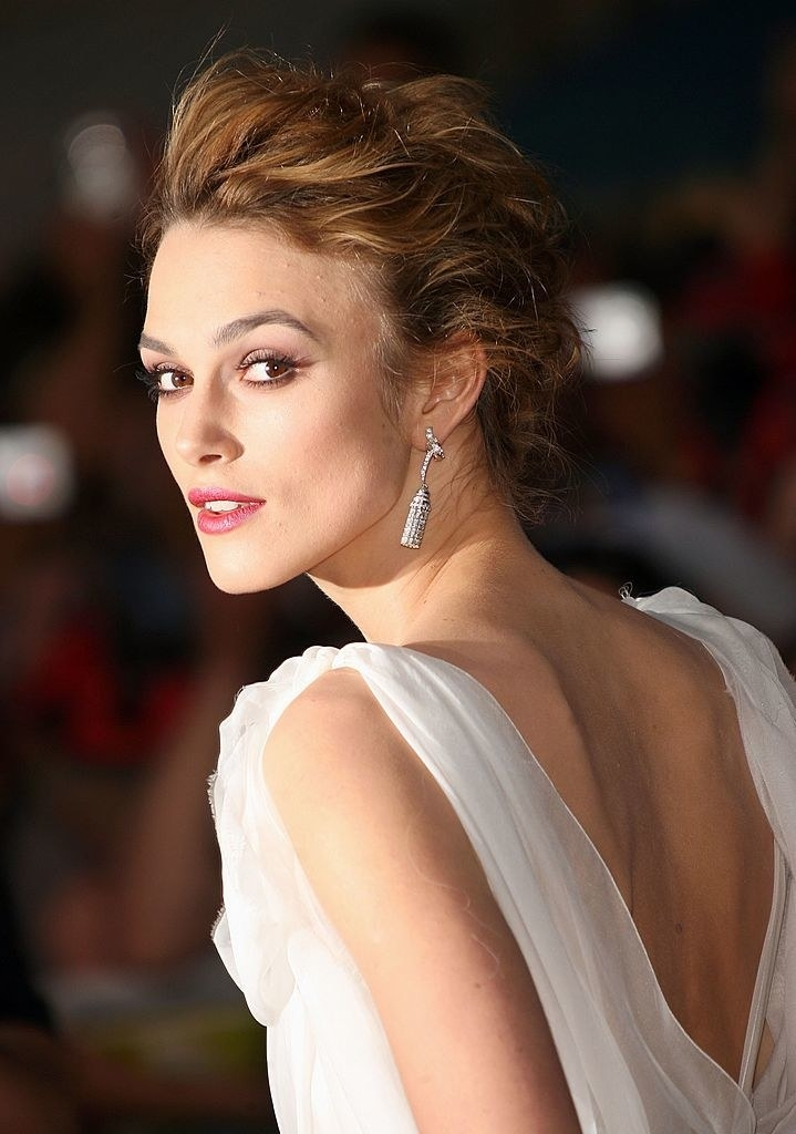 """Keira Knightley arrives at the world premiere of """"Pirates of the Caribbean 2: Dead Man's Chest"""""""