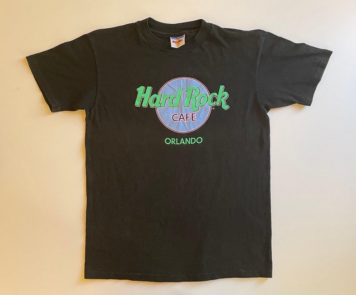 A black T-shirt Hard Rock Cafe Orlando
