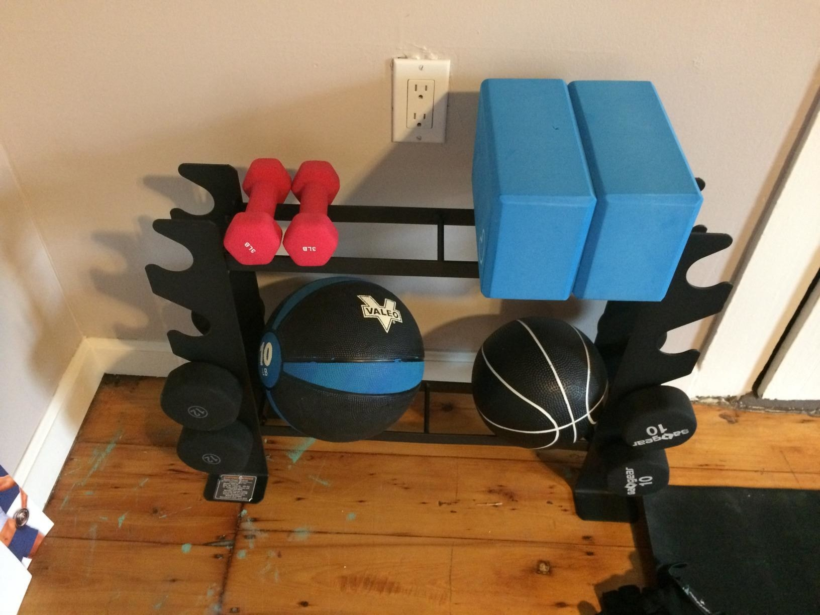 Review photo of the dumbbell and free weight stand