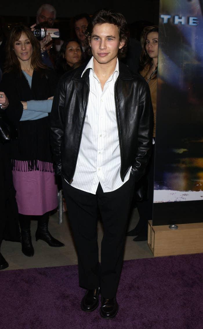 Jonathan Taylor Thomas poses on the red carpet