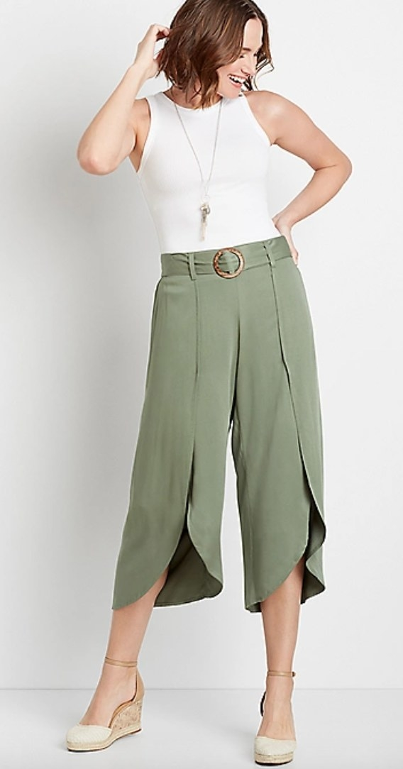 the belted cropped flyaway pants in oliveon a model
