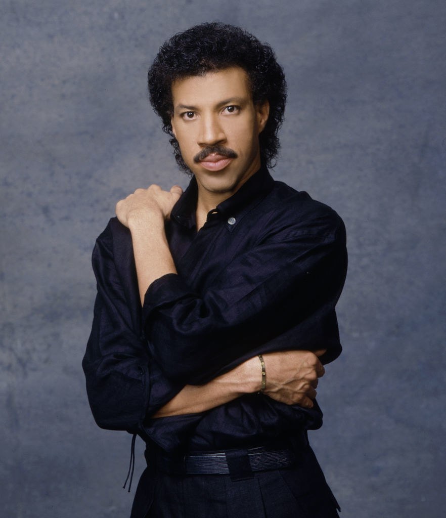 Lionel Richie posing for a portrait in 1980