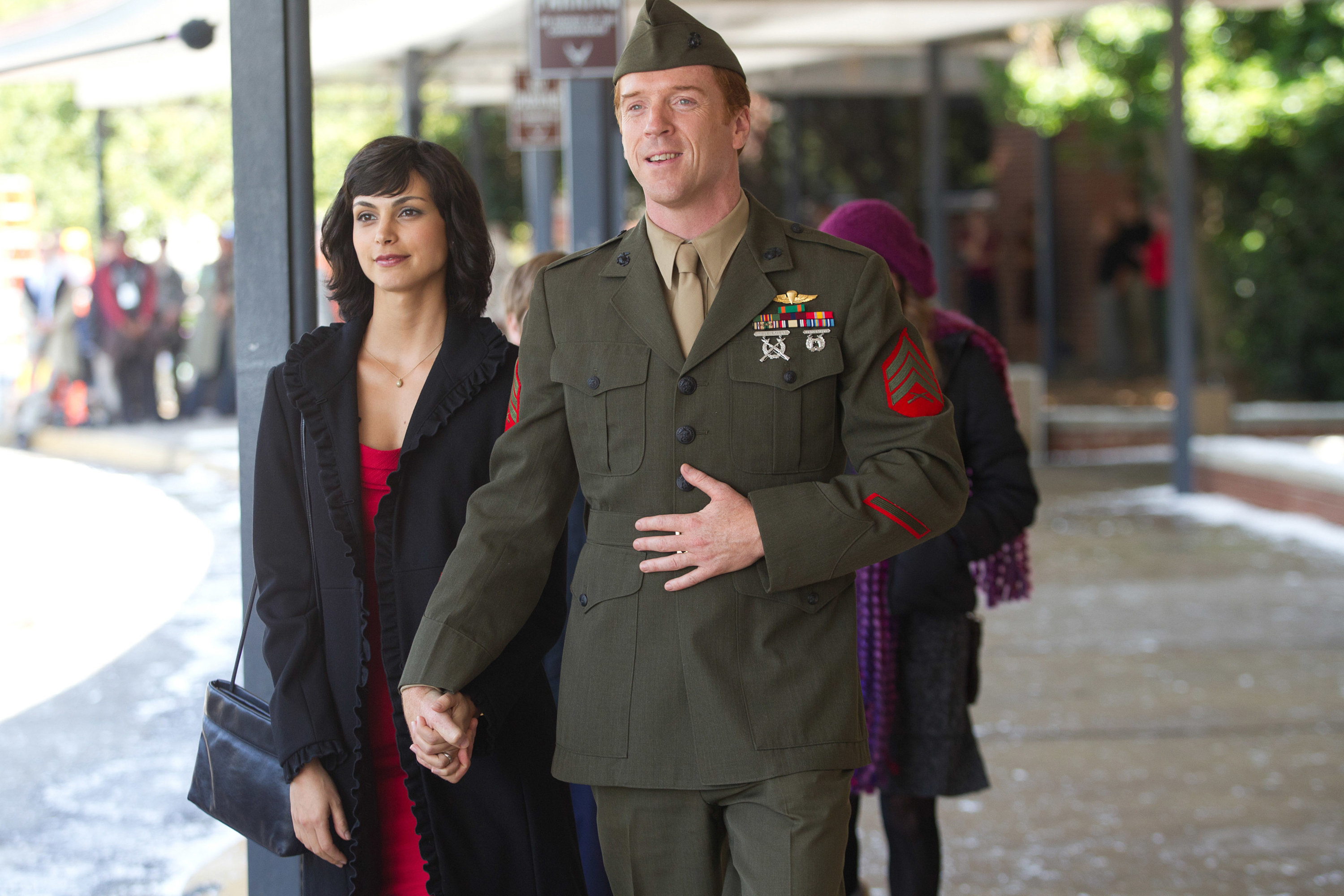 Brody with his wife in the pilot of the series