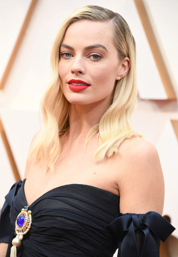 Robbie at the Academy Awards in a strapless black dress