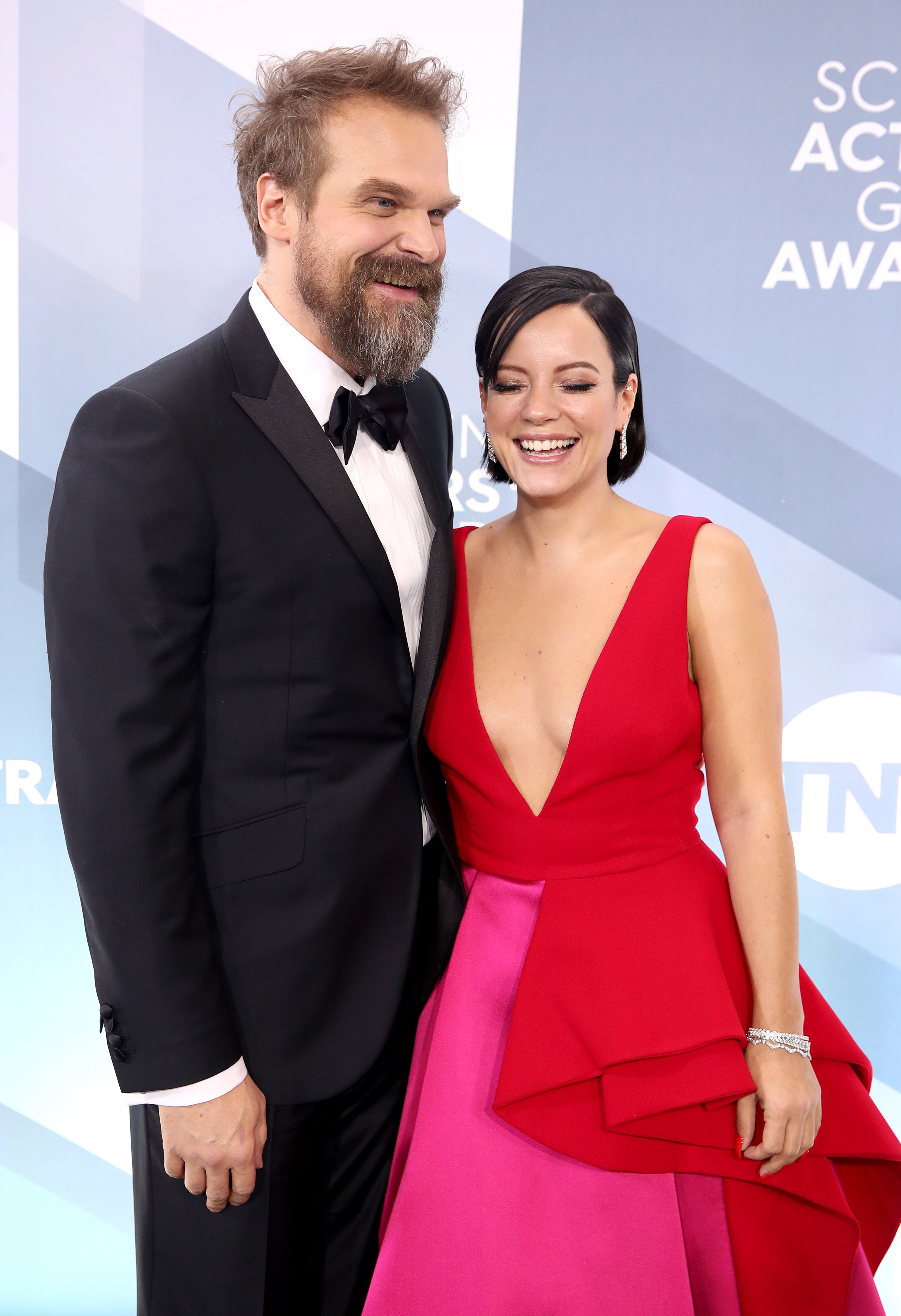 David Harbour and Lily Allen laugh at the 26th Annual Screen Actors Guild Awards