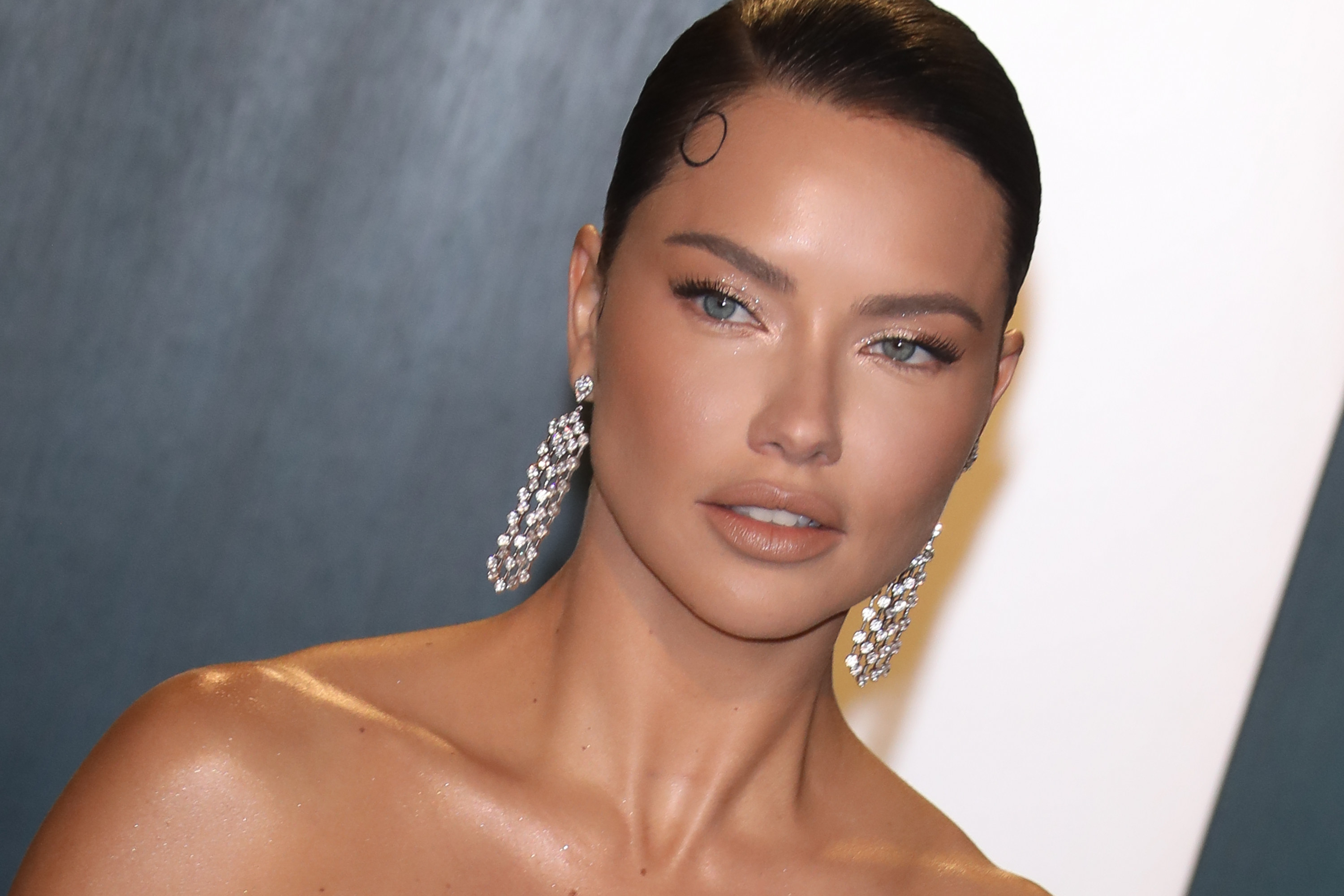 Adriana Lima is photographed on the red carpet during the 2020 Vanity Fair Oscar Party