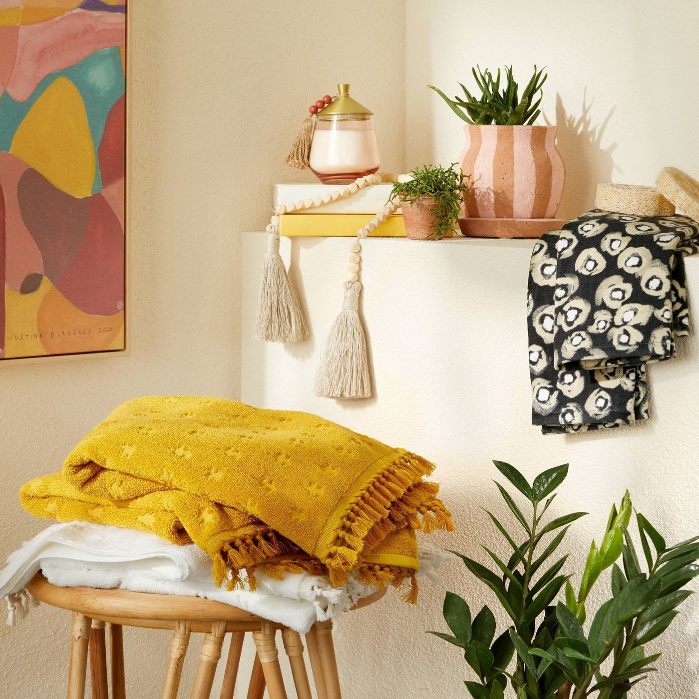 the fringed towels in yellow and white