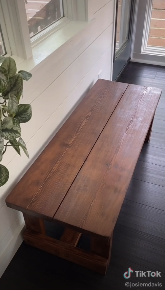 The same bench with a smooth renewed finish