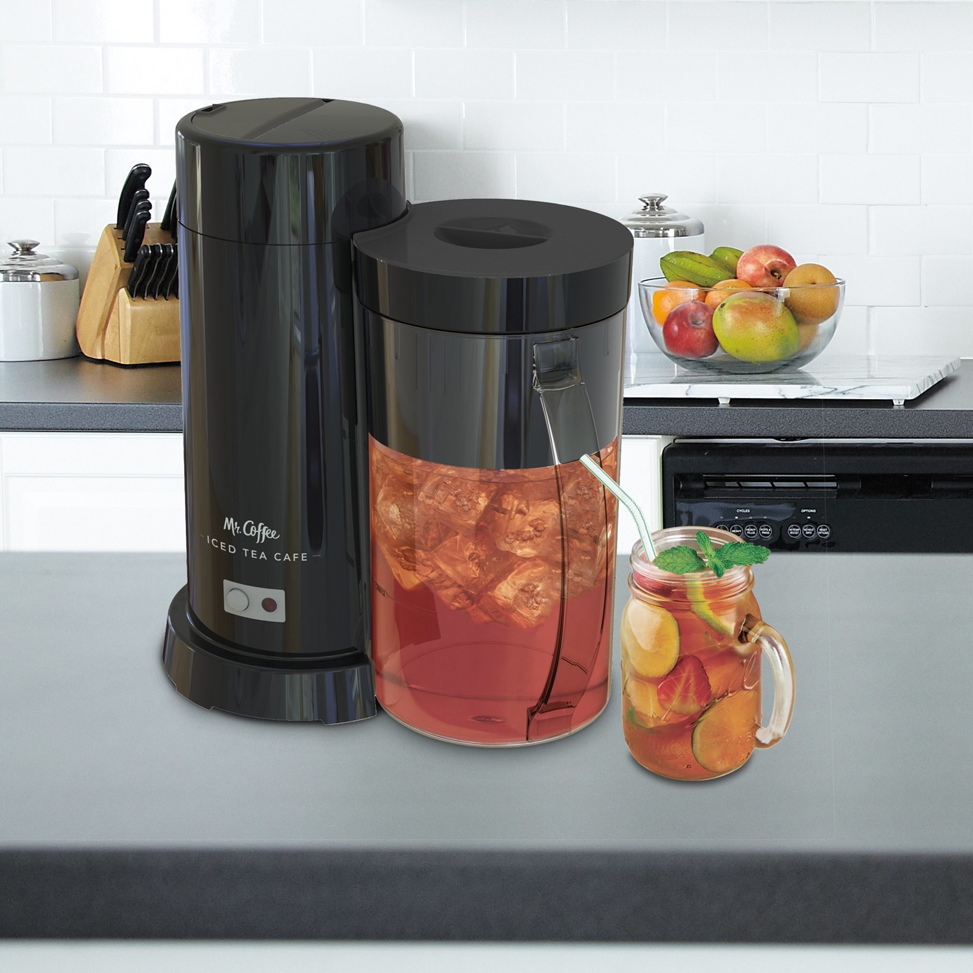 the ice tea and coffee maker