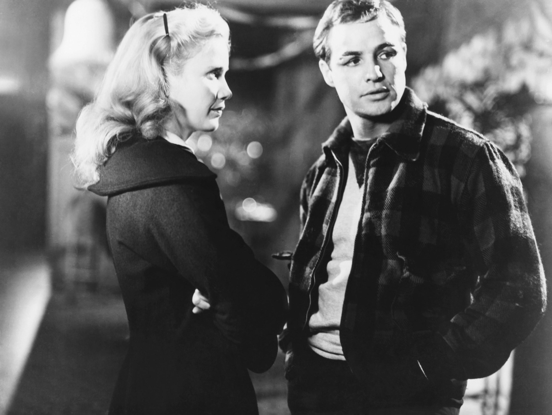 Eva Marie Saint talking with Marlon Brando